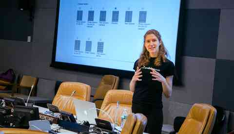 Suzanne teaching Drupal at the UN